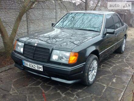 Черный Мерседес E 420, объемом двигателя 4.2 л и пробегом 277 тыс. км за 6000 $, фото 1 на Automoto.ua