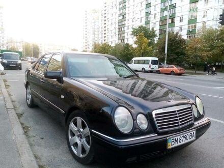 Черный Мерседес E 420, объемом двигателя 4.2 л и пробегом 454 тыс. км за 3900 $, фото 1 на Automoto.ua