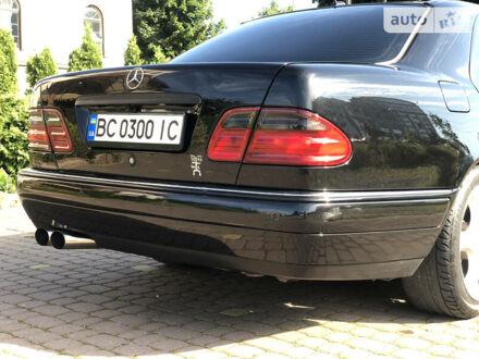 Чорний Мерседес Е 430, об'ємом двигуна 4.3 л та пробігом 300 тис. км за 10000 $, фото 1 на Automoto.ua