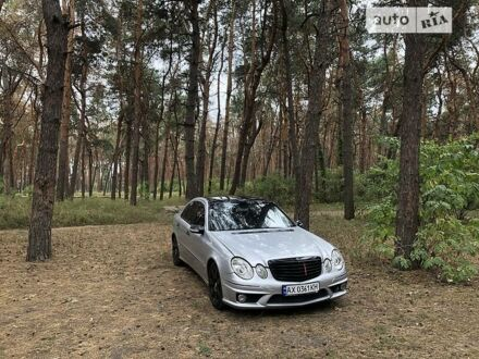 Сірий Мерседес Е 500, об'ємом двигуна 5 л та пробігом 250 тис. км за 8850 $, фото 1 на Automoto.ua