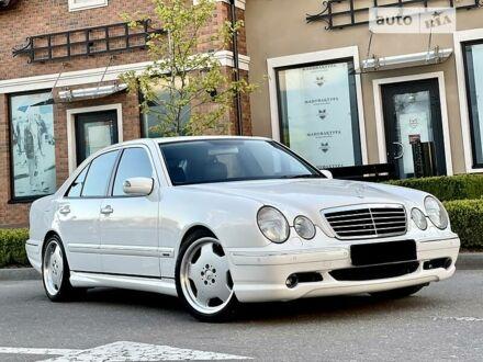 Белый Мерседес E 55 АМГ, объемом двигателя 5.4 л и пробегом 53 тыс. км за 29500 $, фото 1 на Automoto.ua