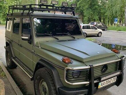 Зеленый Мерседес Г 400, объемом двигателя 4 л и пробегом 200 тыс. км за 16500 $, фото 1 на Automoto.ua