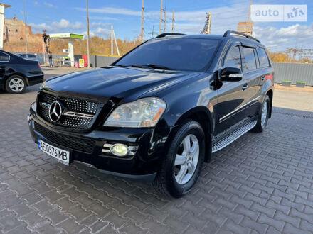 Черный Мерседес ГЛ 450, объемом двигателя 4.7 л и пробегом 230 тыс. км за 12900 $, фото 1 на Automoto.ua