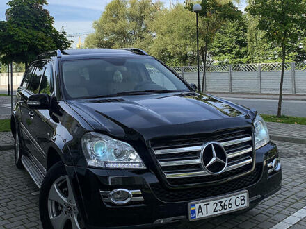 Чорний Мерседес ГЛ 550, об'ємом двигуна 5.5 л та пробігом 296 тис. км за 16500 $, фото 1 на Automoto.ua