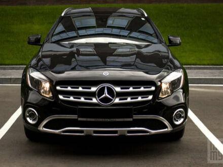 Черный Мерседес GLA 250, объемом двигателя 2 л и пробегом 43 тыс. км за 26500 $, фото 1 на Automoto.ua