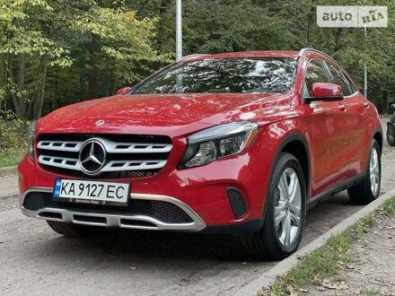 Красный Мерседес GLA 250, объемом двигателя 2 л и пробегом 2 тыс. км за 27900 $, фото 1 на Automoto.ua