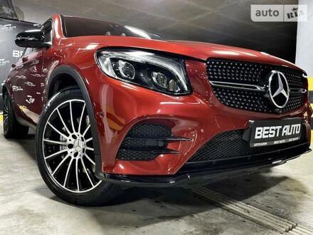 Красный Мерседес GLC 43, объемом двигателя 3 л и пробегом 46 тыс. км за 63500 $, фото 1 на Automoto.ua