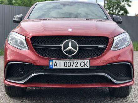 Красный Мерседес GLE 43 AMG, объемом двигателя 3 л и пробегом 25 тыс. км за 64200 $, фото 1 на Automoto.ua