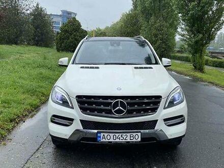 Белый Мерседес МЛ 250, объемом двигателя 2.2 л и пробегом 85 тыс. км за 30500 $, фото 1 на Automoto.ua