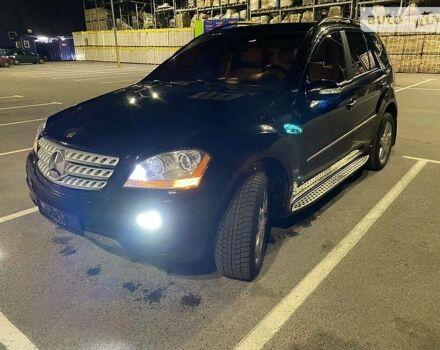 Черный Мерседес МЛ 350, объемом двигателя 0 л и пробегом 132 тыс. км за 15700 $, фото 1 на Automoto.ua