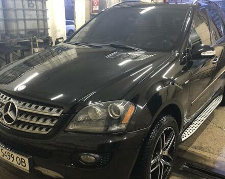 Черный Мерседес МЛ 350, объемом двигателя 3.5 л и пробегом 215 тыс. км за 13499 $, фото 1 на Automoto.ua