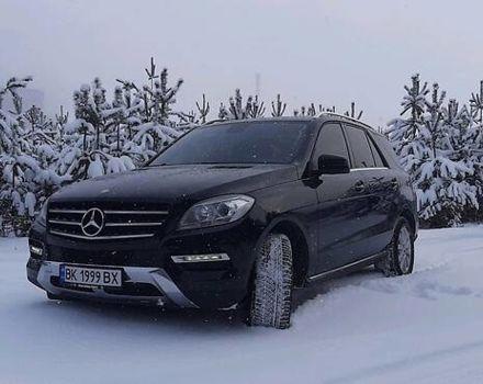Черный Мерседес МЛ 350, объемом двигателя 3 л и пробегом 192 тыс. км за 29999 $, фото 1 на Automoto.ua