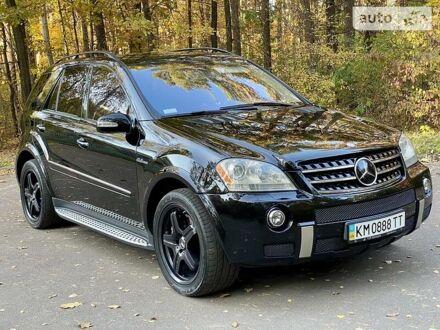 Черный Мерседес МЛ 63 АМГ, объемом двигателя 6.2 л и пробегом 155 тыс. км за 18350 $, фото 1 на Automoto.ua
