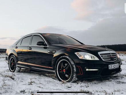 Чорний Мерседес С 320, об'ємом двигуна 3 л та пробігом 350 тис. км за 19000 $, фото 1 на Automoto.ua