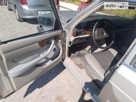 Серый Мерседес S 380, объемом двигателя 3.8 л и пробегом 100 тыс. км за 6500 $, фото 1 на Automoto.ua