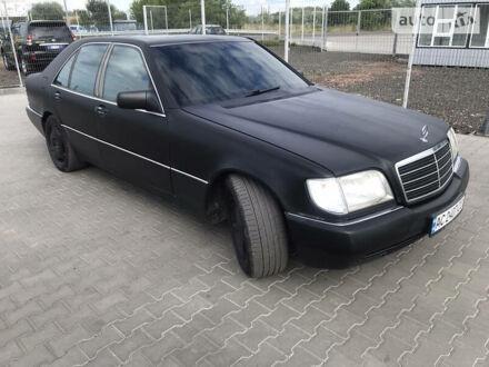 Чорний Мерседес С 420, об'ємом двигуна 4.2 л та пробігом 300 тис. км за 7200 $, фото 1 на Automoto.ua