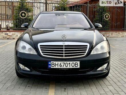 Черный Мерседес С 420, объемом двигателя 3 л и пробегом 240 тыс. км за 16700 $, фото 1 на Automoto.ua