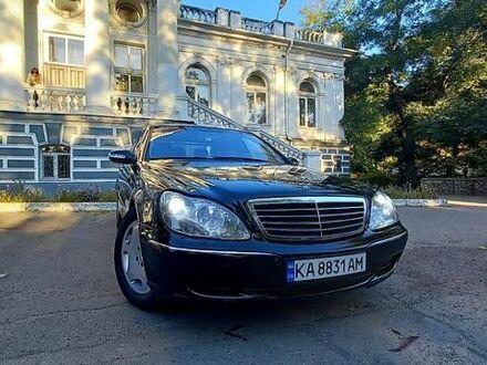 Черный Мерседес С 430, объемом двигателя 0 л и пробегом 300 тыс. км за 8000 $, фото 1 на Automoto.ua