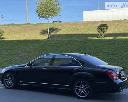 Черный Мерседес С 500, объемом двигателя 5.5 л и пробегом 95 тыс. км за 26999 $, фото 1 на Automoto.ua