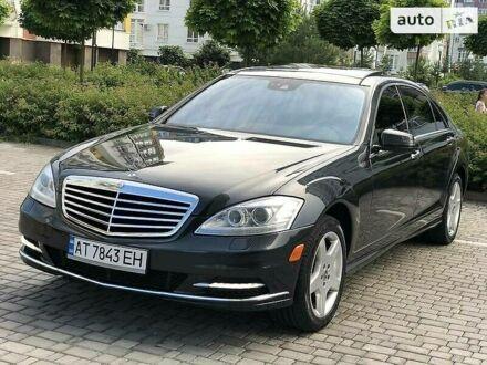 Черный Мерседес С 550, объемом двигателя 4.7 л и пробегом 149 тыс. км за 27300 $, фото 1 на Automoto.ua