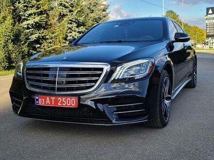 Черный Мерседес S 560, объемом двигателя 4 л и пробегом 65 тыс. км за 87700 $, фото 1 на Automoto.ua