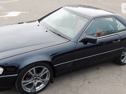 Черный Мерседес СЛ 500, объемом двигателя 5 л и пробегом 70 тыс. км за 28500 $, фото 1 на Automoto.ua