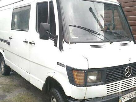 Белый Мерседес Sprinter 208 груз.-пасс., объемом двигателя 0 л и пробегом 500 тыс. км за 2100 $, фото 1 на Automoto.ua