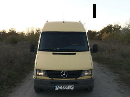 Желтый Мерседес Sprinter 312 груз.-пасс., объемом двигателя 2.9 л и пробегом 536 тыс. км за 9500 $, фото 1 на Automoto.ua