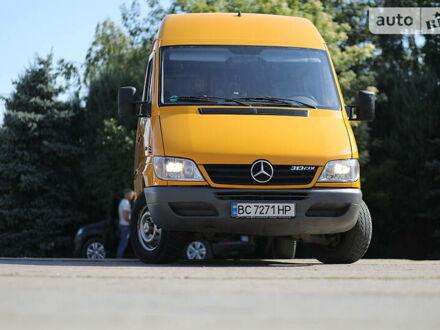 Желтый Мерседес Sprinter 313 груз.-пасс., объемом двигателя 2.1 л и пробегом 349 тыс. км за 10800 $, фото 1 на Automoto.ua