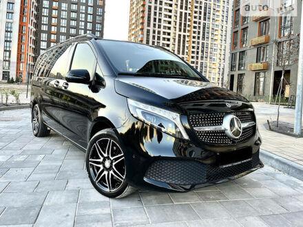 Черный Мерседес В 220, объемом двигателя 2.1 л и пробегом 30 тыс. км за 69500 $, фото 1 на Automoto.ua