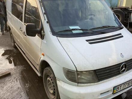 Білий Мерседес Vito 108, об'ємом двигуна 2.1 л та пробігом 320 тис. км за 2999 $, фото 1 на Automoto.ua