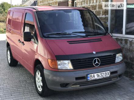 Красный Мерседес Vito 108, объемом двигателя 2.3 л и пробегом 377 тыс. км за 4500 $, фото 1 на Automoto.ua