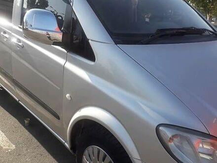 Серый Мерседес Vito 109, объемом двигателя 2.1 л и пробегом 320 тыс. км за 8200 $, фото 1 на Automoto.ua