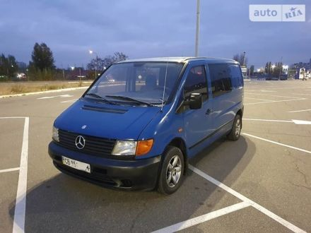 Синий Мерседес Vito 110, объемом двигателя 2.3 л и пробегом 250 тыс. км за 3600 $, фото 1 на Automoto.ua