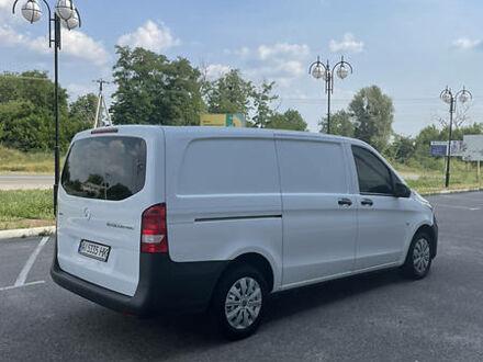 Белый Мерседес Vito 119, объемом двигателя 2.2 л и пробегом 197 тыс. км за 16500 $, фото 1 на Automoto.ua