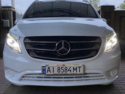 Белый Мерседес Vito 119, объемом двигателя 2.1 л и пробегом 208 тыс. км за 29500 $, фото 1 на Automoto.ua