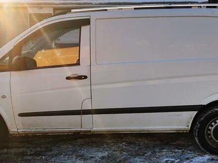 Белый Мерседес Vito 110, объемом двигателя 2.1 л и пробегом 271 тыс. км за 7300 $, фото 1 на Automoto.ua