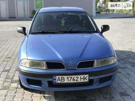 Синий Мицубиси Харизма, объемом двигателя 1.8 л и пробегом 220 тыс. км за 4000 $, фото 1 на Automoto.ua