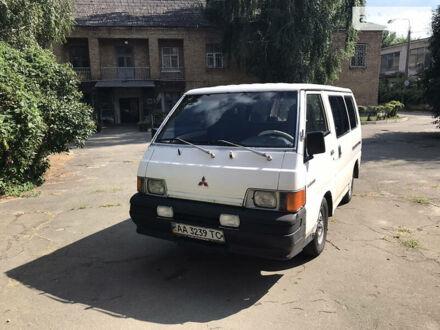 Білий Міцубісі L 300 пасс., об'ємом двигуна 2 л та пробігом 507 тис. км за 2300 $, фото 1 на Automoto.ua