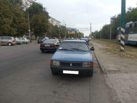 Синий Москвич / АЗЛК 2125, объемом двигателя 1.7 л и пробегом 120 тыс. км за 800 $, фото 1 на Automoto.ua