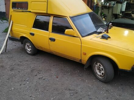 Желтый Москвич / АЗЛК 2901, объемом двигателя 1.6 л и пробегом 120 тыс. км за 950 $, фото 1 на Automoto.ua