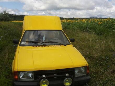 Желтый Москвич / АЗЛК 2901, объемом двигателя 1.7 л и пробегом 27 тыс. км за 3000 $, фото 1 на Automoto.ua