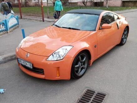 Оранжевый Ниссан 350З, объемом двигателя 3.5 л и пробегом 106 тыс. км за 10000 $, фото 1 на Automoto.ua