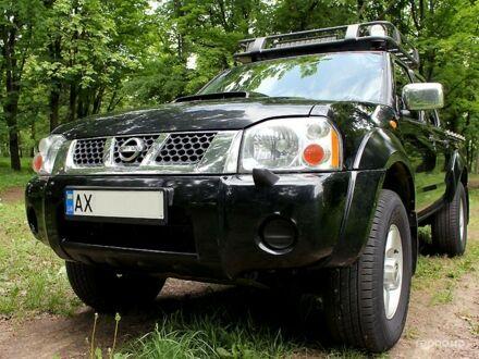Черный Ниссан НП300, объемом двигателя 2.5 л и пробегом 135 тыс. км за 13900 $, фото 1 на Automoto.ua