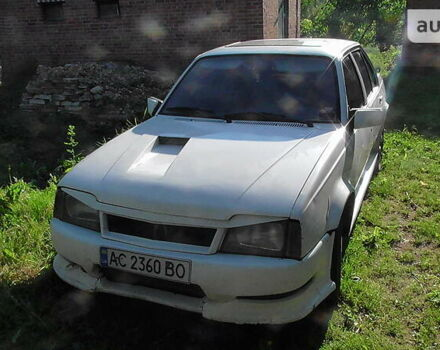 Білий Опель Аскона, об'ємом двигуна 1.8 л та пробігом 1 тис. км за 850 $, фото 1 на Automoto.ua
