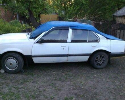 Белый Опель Аскона, объемом двигателя 1.6 л и пробегом 100 тыс. км за 700 $, фото 1 на Automoto.ua