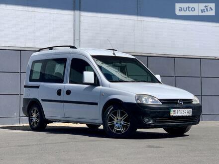 Білий Опель Комбо пас., об'ємом двигуна 1.3 л та пробігом 220 тис. км за 4300 $, фото 1 на Automoto.ua