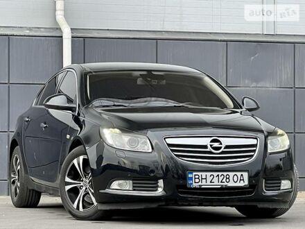 Черный Опель Инсигния, объемом двигателя 0 л и пробегом 157 тыс. км за 8900 $, фото 1 на Automoto.ua