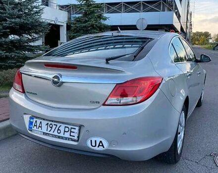 Сірий Опель Інсігнія, об'ємом двигуна 2 л та пробігом 170 тис. км за 9500 $, фото 1 на Automoto.ua