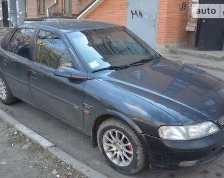 Черный Опель Вектра Б, объемом двигателя 1.8 л и пробегом 200 тыс. км за 3500 $, фото 1 на Automoto.ua